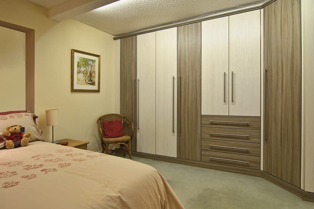 Ash Bedroom Wardrobe Fitted 1000