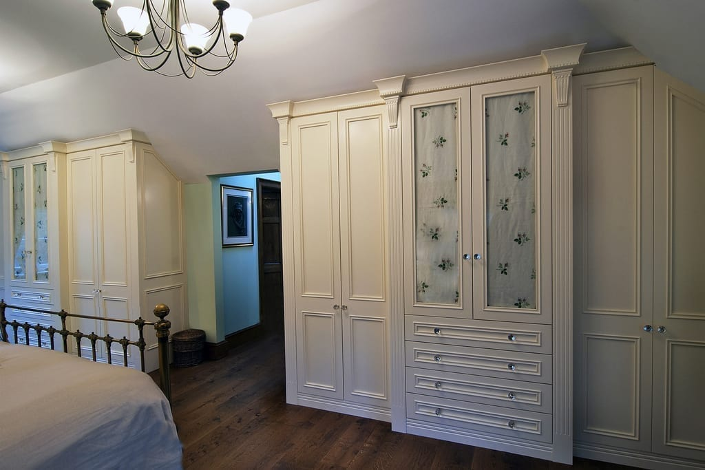 Country Fitted Wardrobes 1000