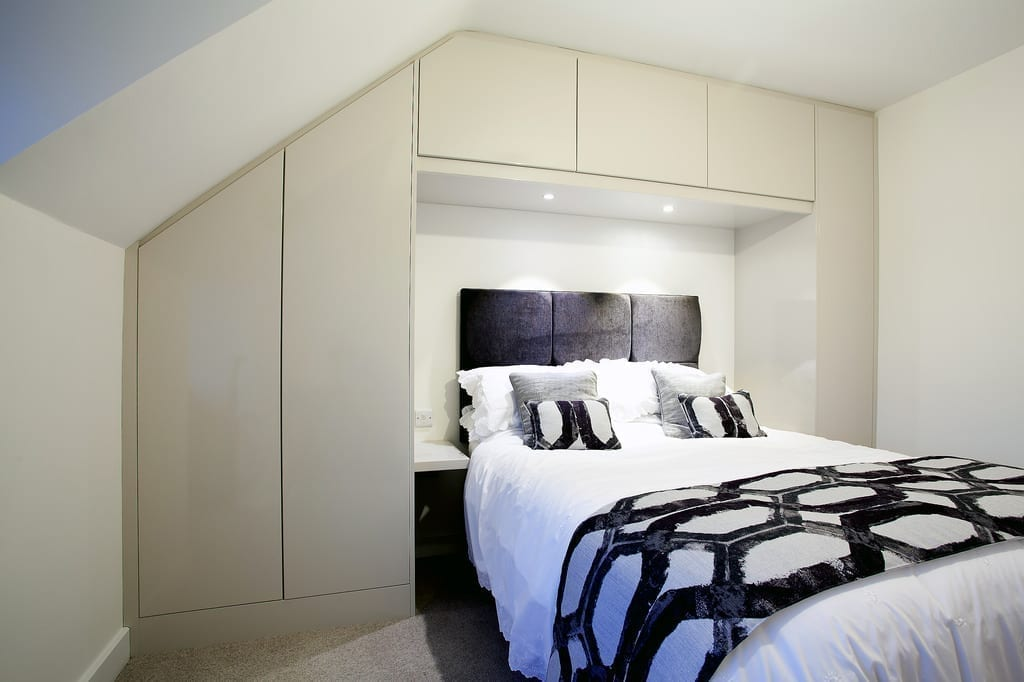 Contemporary fitted bedroom furniture fine bespoke for Fitted bedroom ideas for small rooms