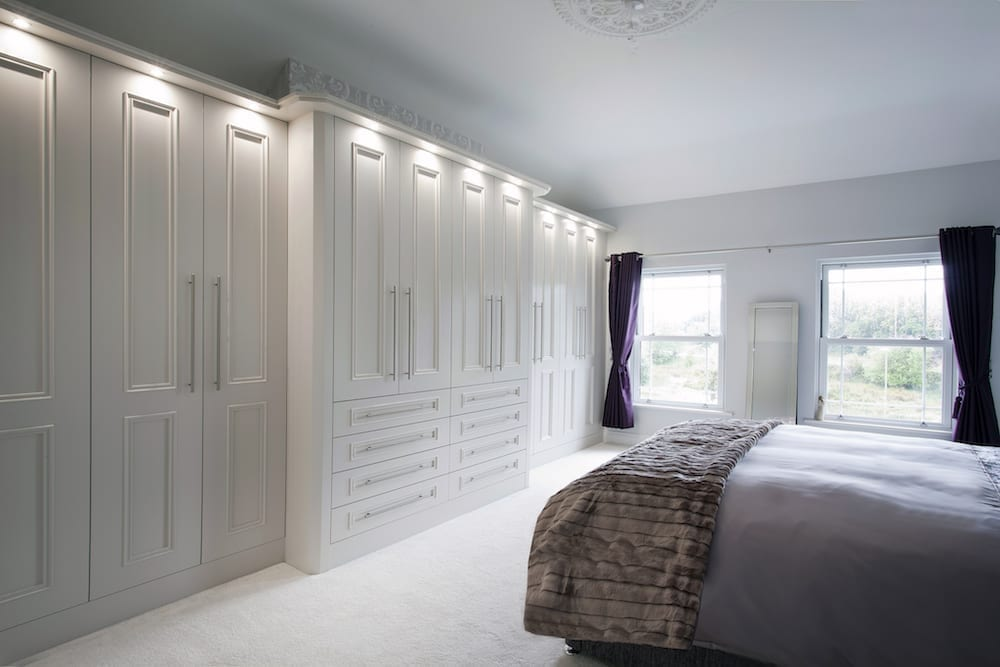 White Fitted Wardrobe 2