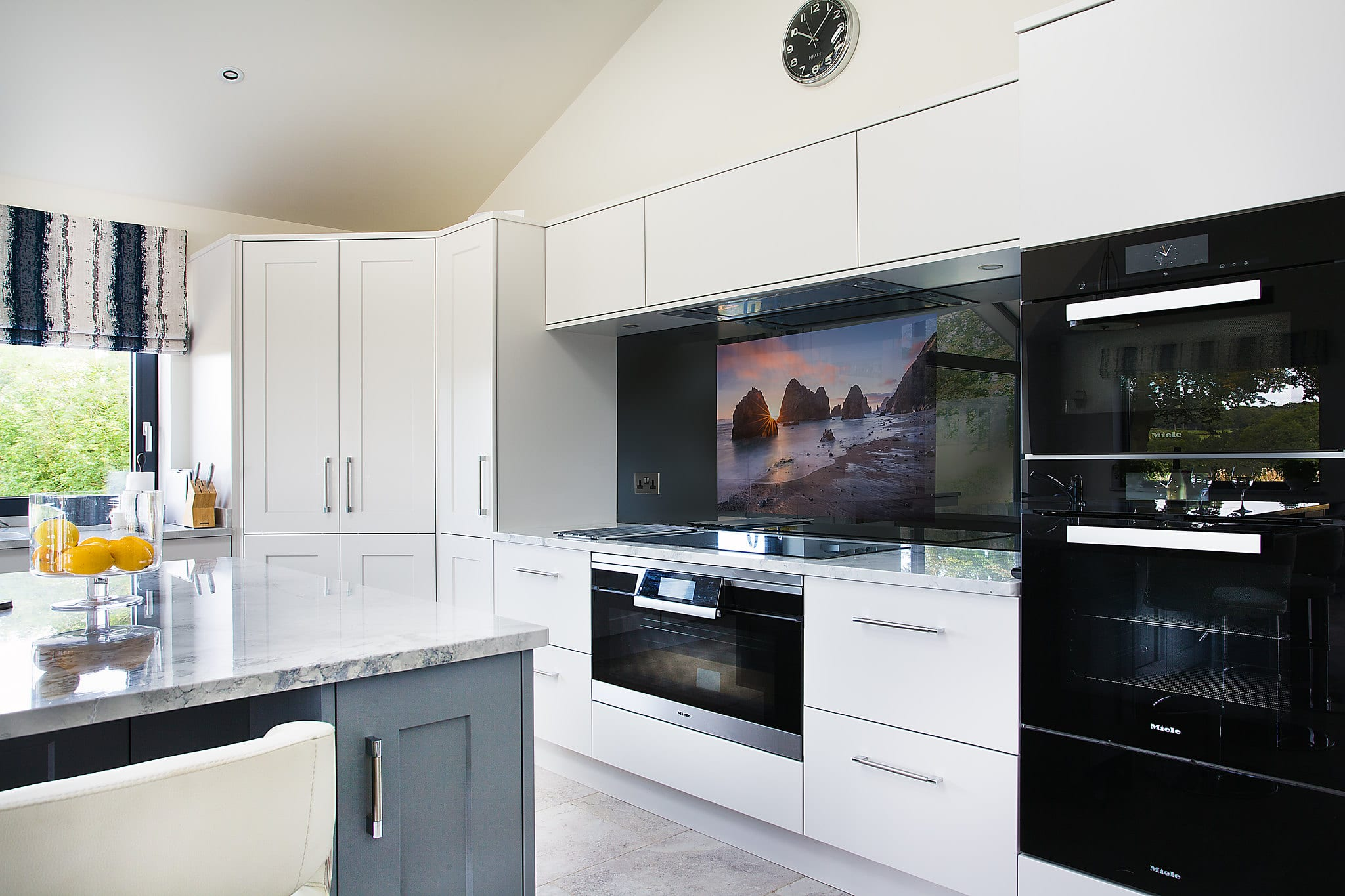 I D Like A Tv In My Kitchen But Conquest Fine Bespoke Fitted Furniture